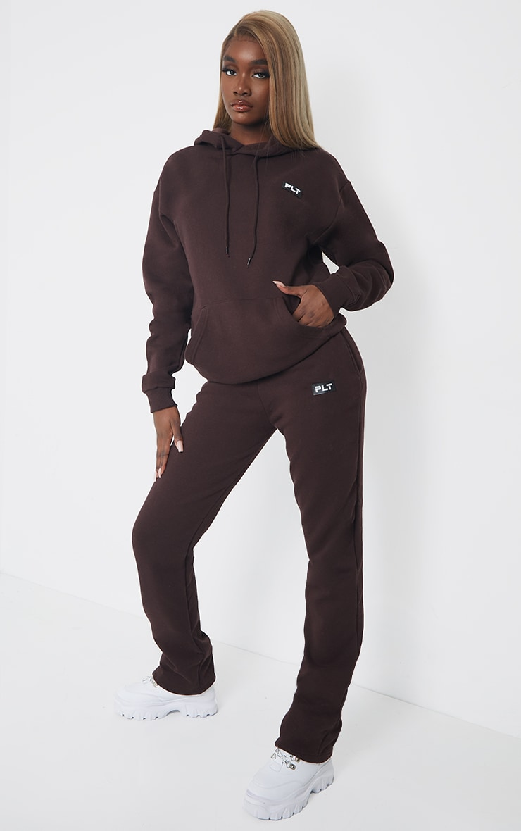 PRETTYLITTLETHING Tall Chocolate Badge Detail Straight Leg Joggers 1
