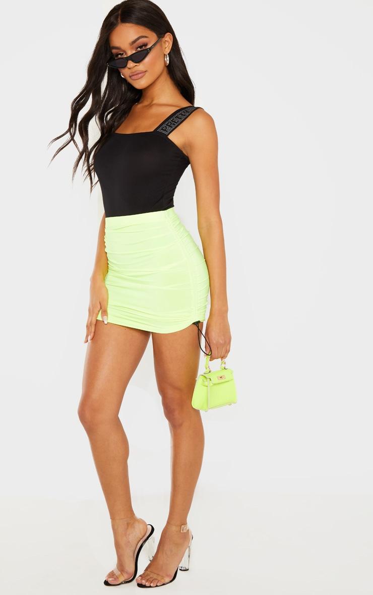 Mini-jupe slinky froncée jaune fluo à détail cordons 4