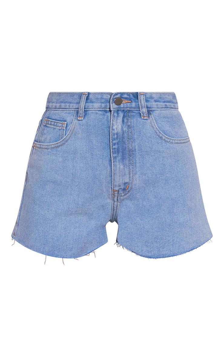 PRETTYLITTLETHING - Mini-short moulant bleu clair délavé à ourlet coupé 6