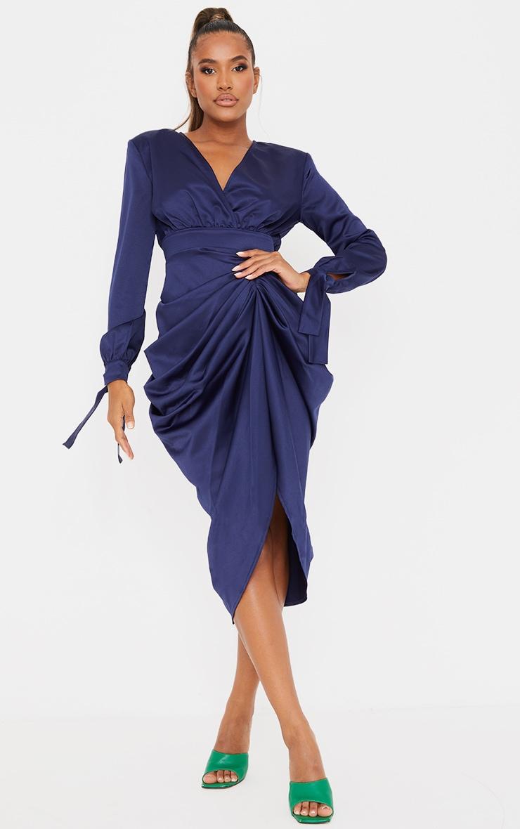 Robe mi-longue portefeuille bleu marine satinée à manches longues 1