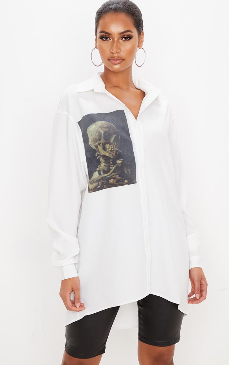 Chemise oversize blanche à imprimé crâne 1