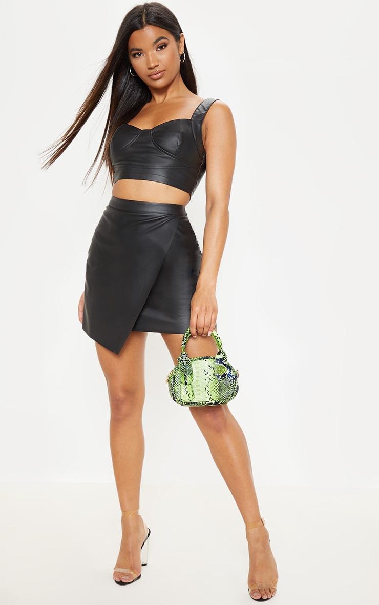 Mini-jupe style portefeuille en similicuir noir 1