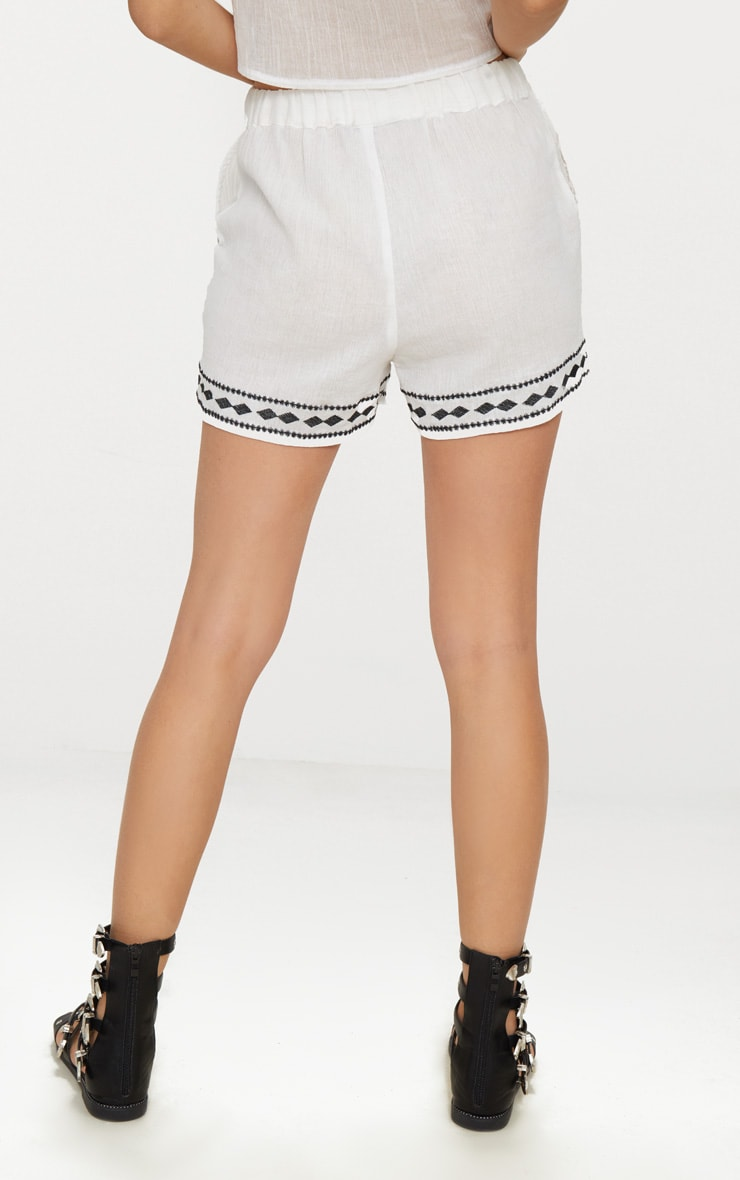 White Embroidered Stitch Detail Shorts 4