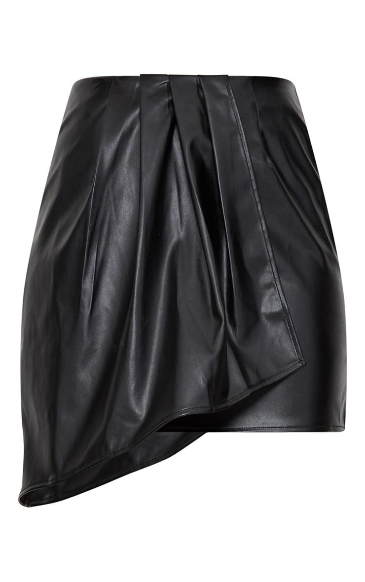 Minijupe drapée et plissée en imitation cuir noire 3
