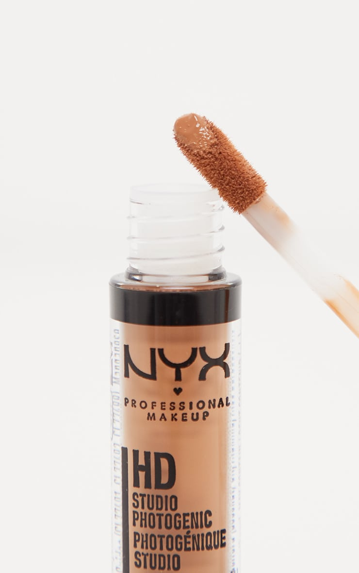NYX PMU HD Photogenic Concealer Wand Nutmeg 2