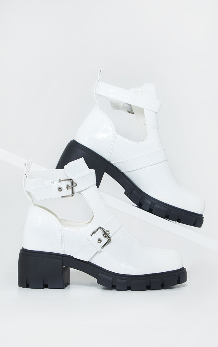 White Cut Out Buckle Chunky Boot 3