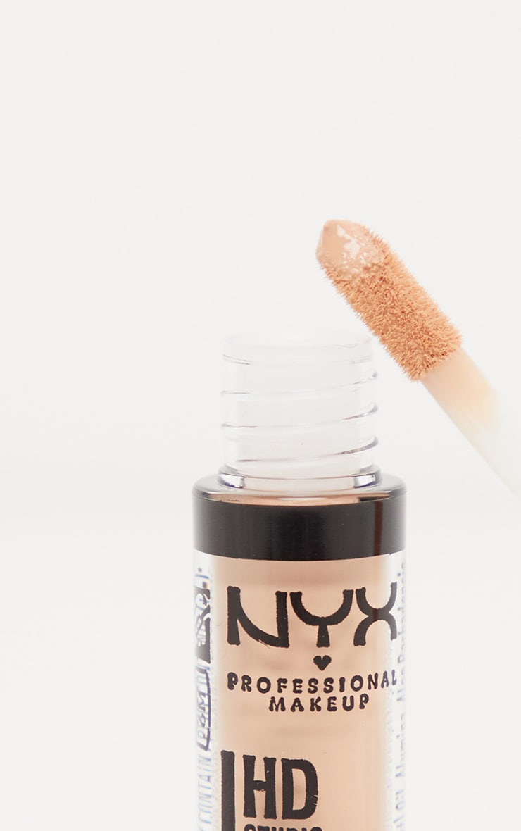 NYX PMU HD Photogenic Concealer Wand Medium 2