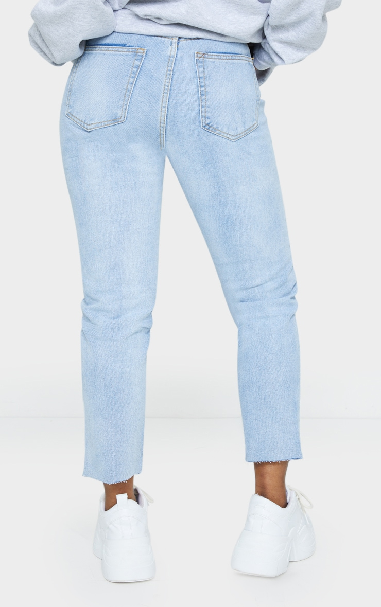 PRETTYLITTLETHING Petite Light Blue Wash Raw Hem Cropped Slim Mom Jeans 3