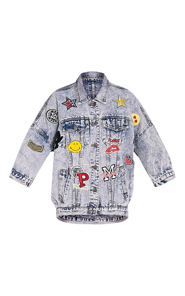 Raquisha veste surdimensionnée à délavage léger et badges 6