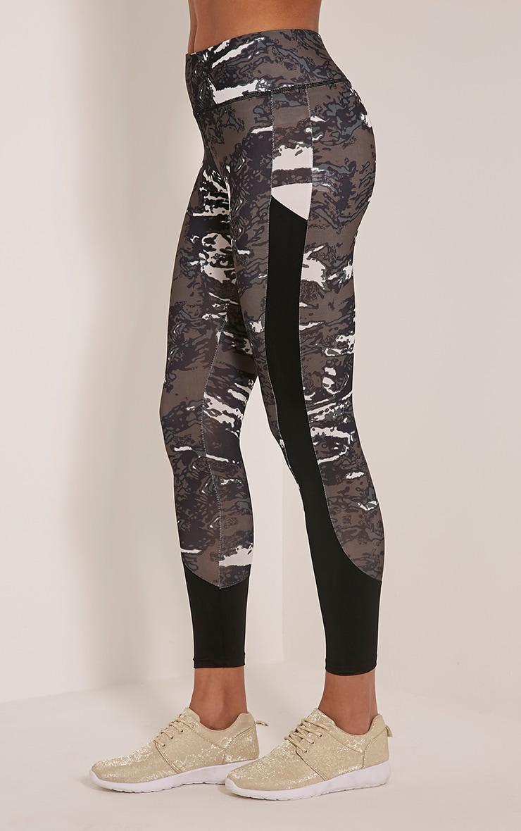 Celine legging de sport à imprimé camouflage kaki 4
