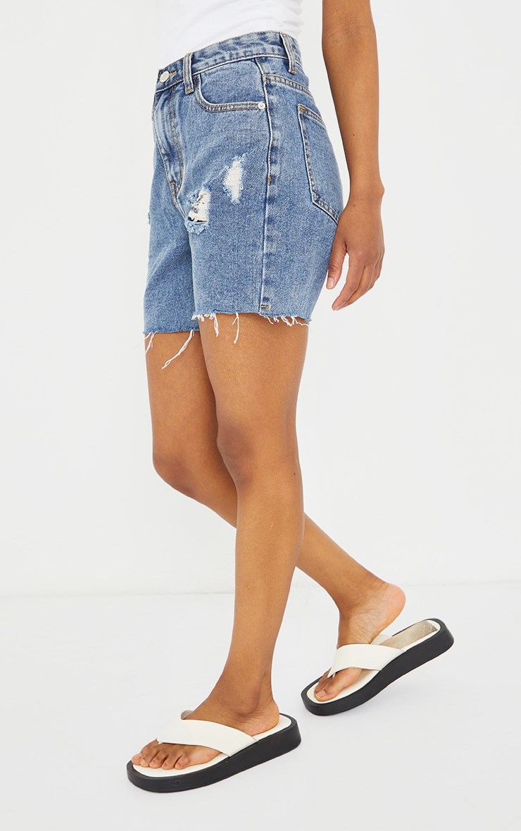 PRETTYLITTLETHING Petite Blue Vintage Wash Ripped Longline Fitted Denim Shorts 2