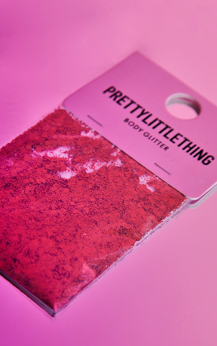PRETTYLITTLETHING - Grosses paillettes rouges 3