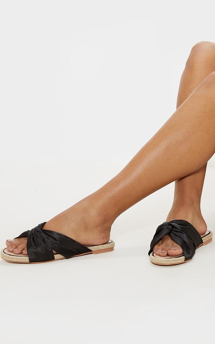 Sandales plates style espadrilles à noeud noires 1