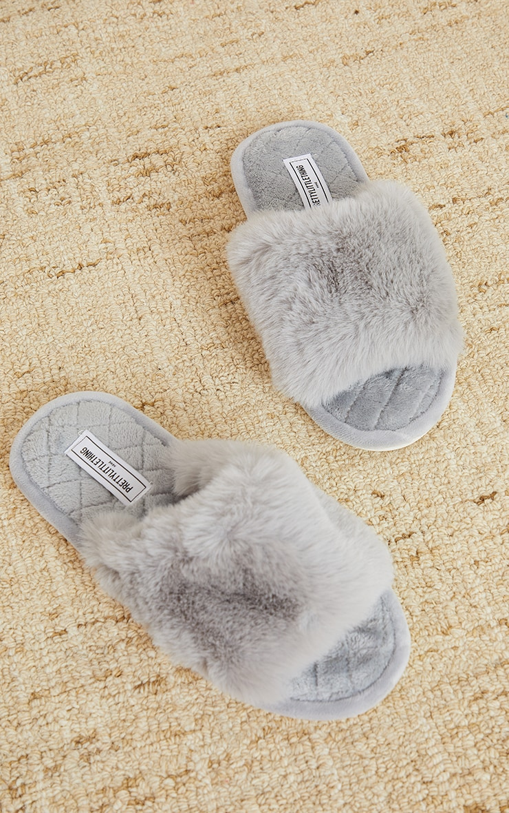 PRETTYLITTLETHING Home Grey Fluffy One Strap Quilted Sole Slippers 3
