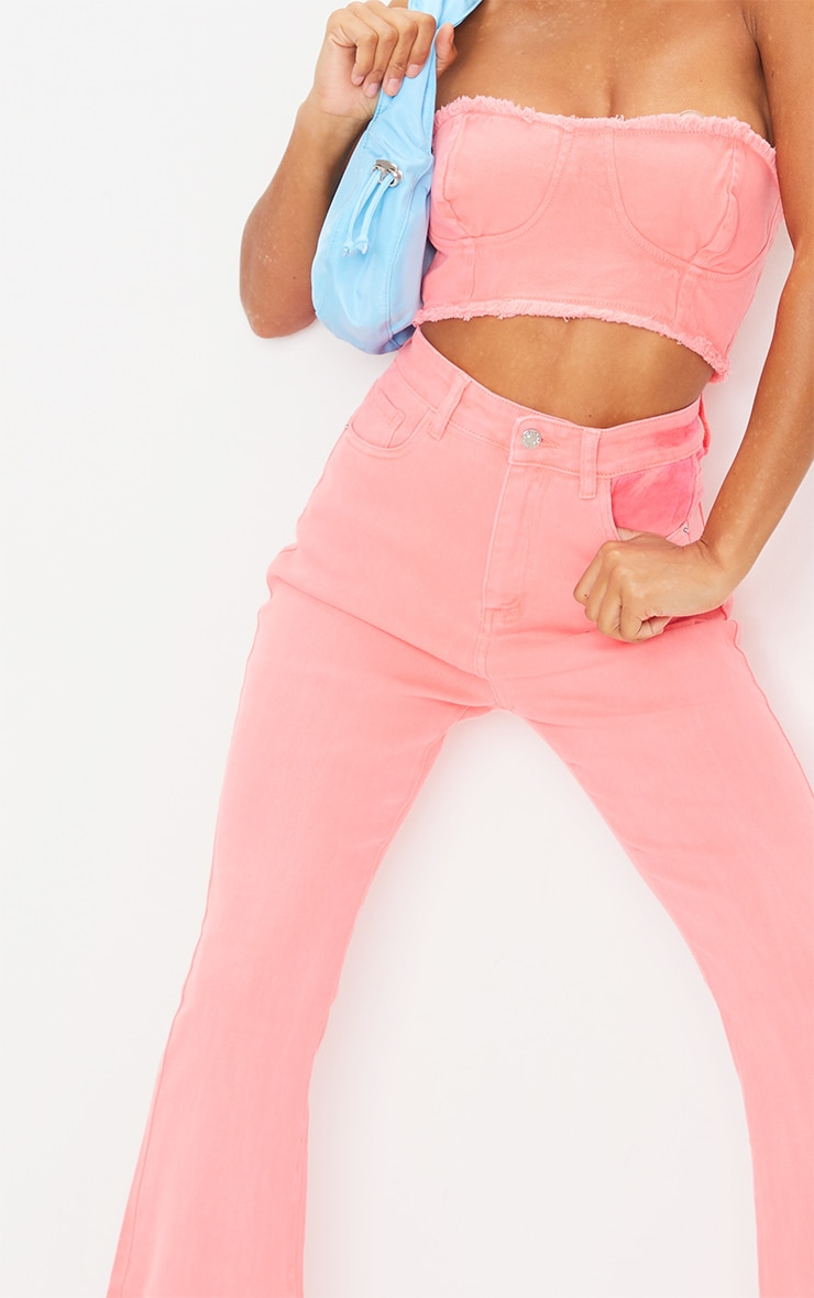 Crop top bandeau en jean rose fluo 4