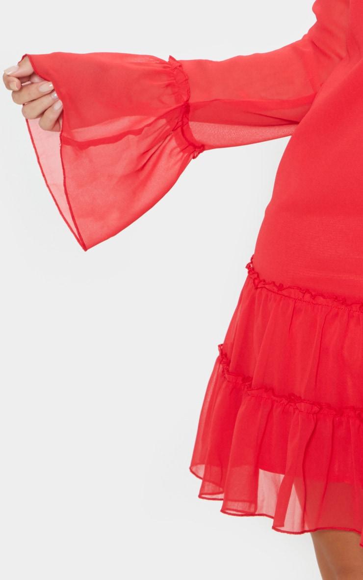 Robe droite en mousseline de soie rouge à manches longues et col froncé 5