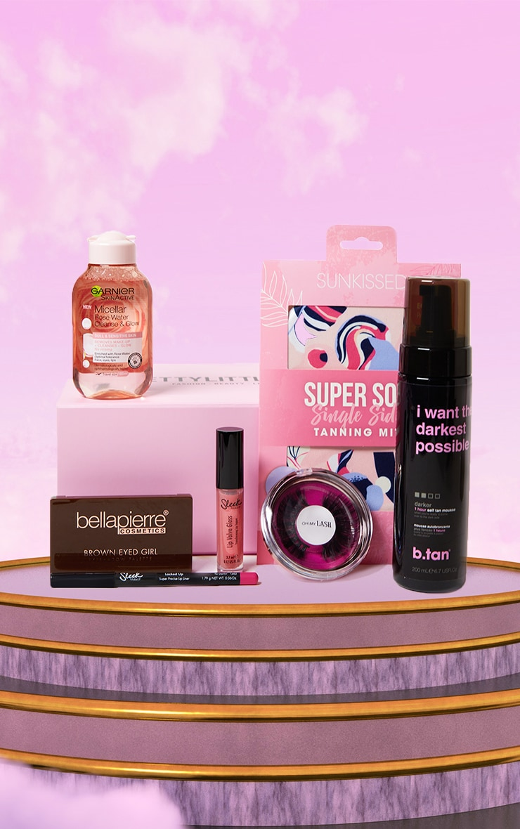 PRETTYLITTLETHING Going Out Box (Worth £64.00) 1