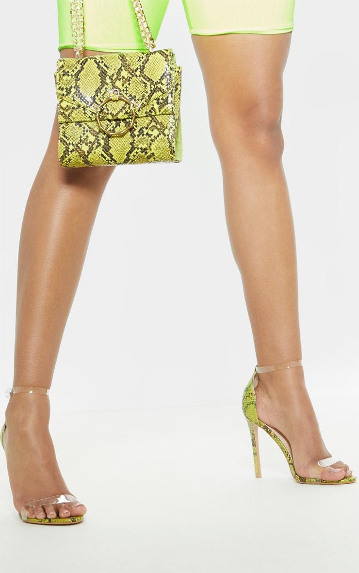 Sandales à brides à imprimé serpent vert citron fluo 1