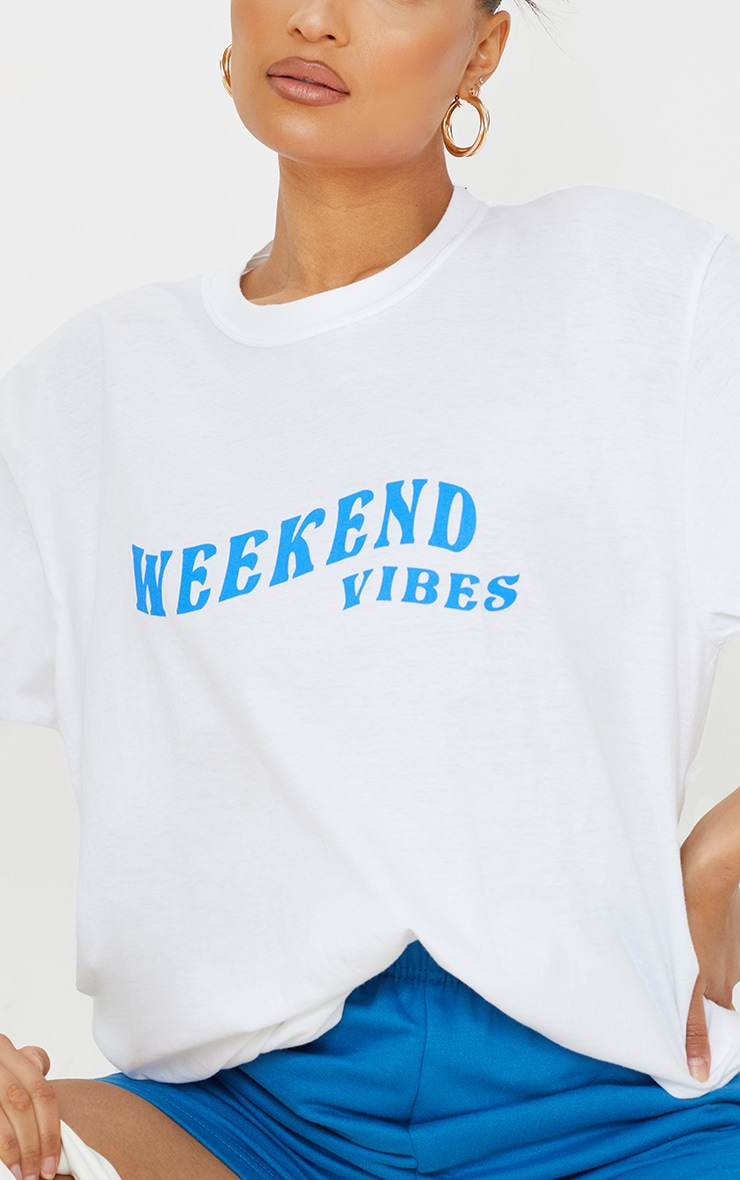 White Weekend Vibes Printed Washed T Shirt 4