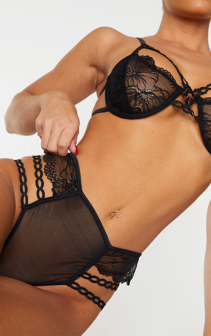 Black Circular Lace Detail Underwired Lingerie Set 4