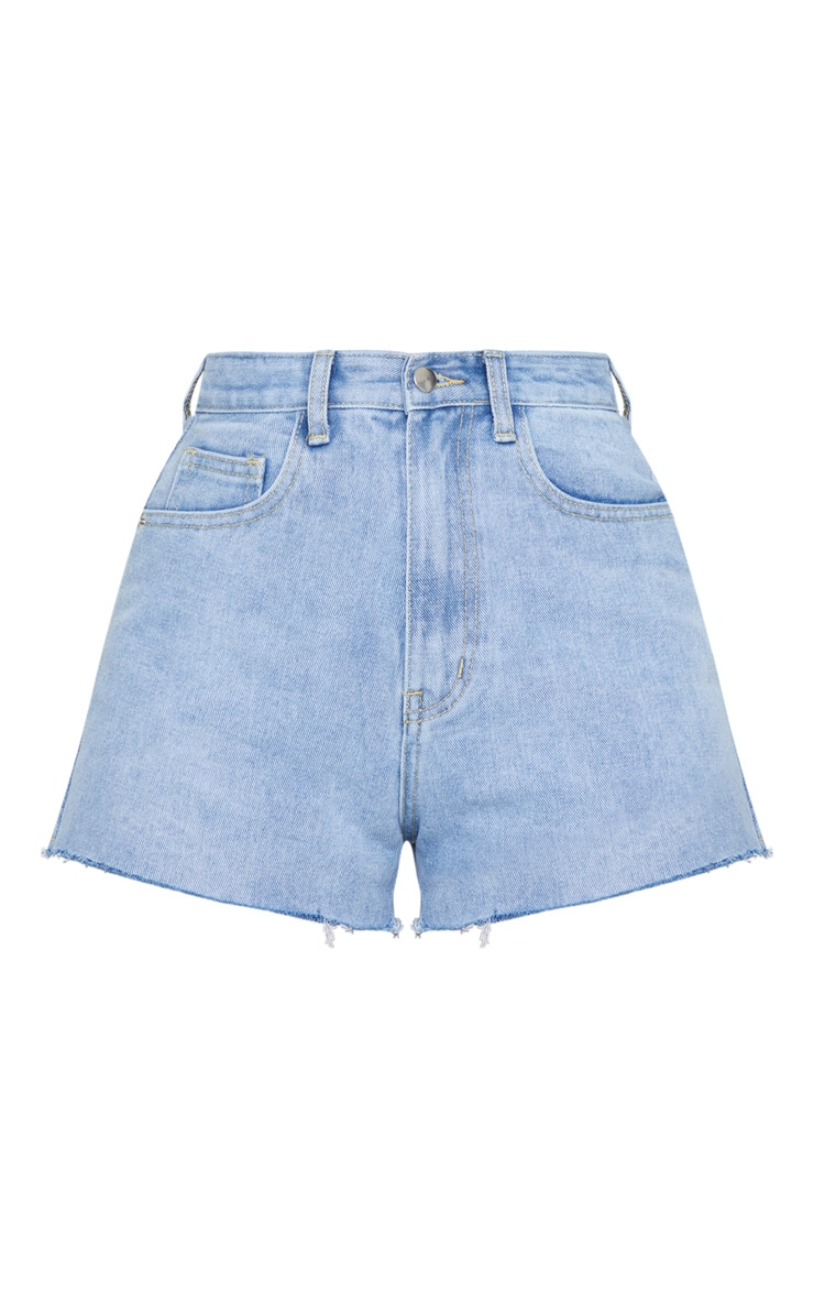 PRETTYLITTLETHING Light Blue Wash Raw Hem Hot Pants 6