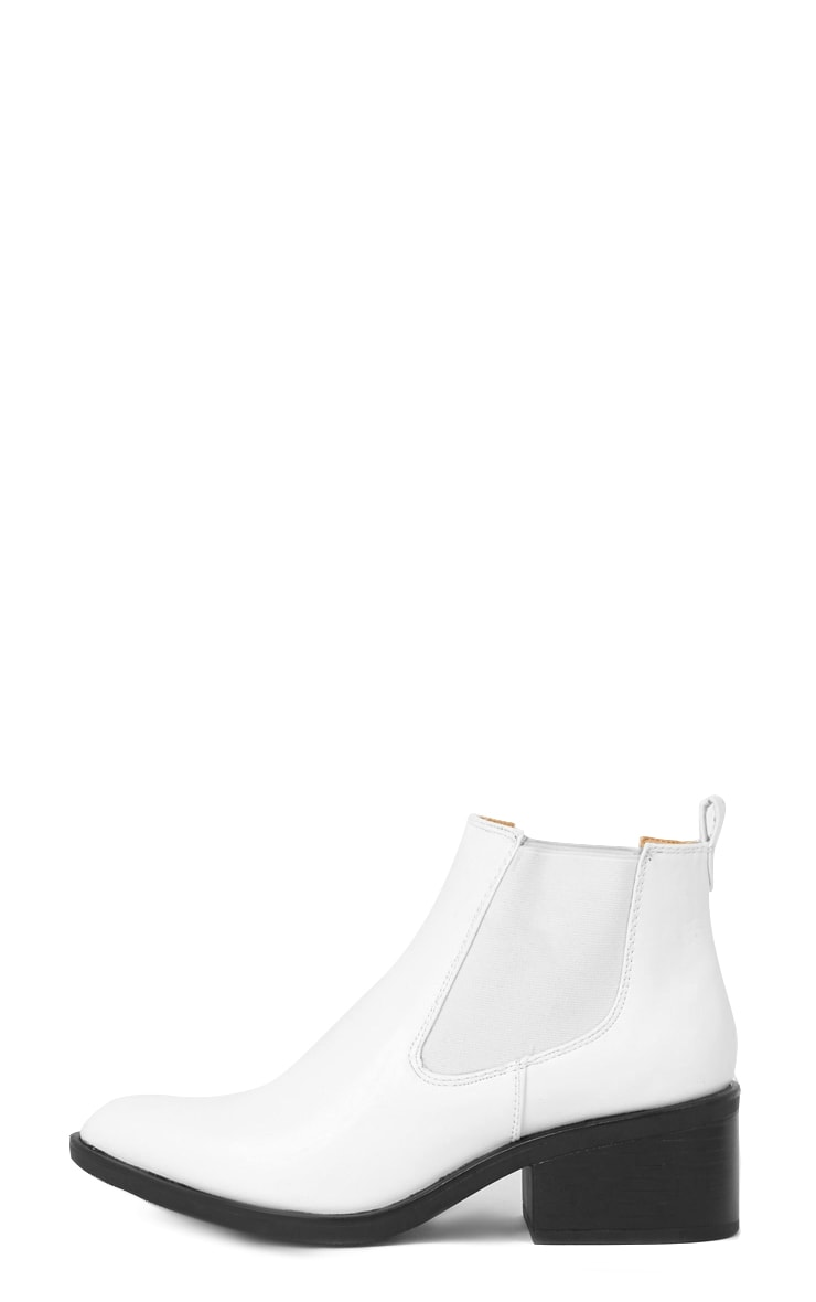 Kimi White Pointed Chelsea Boot   1