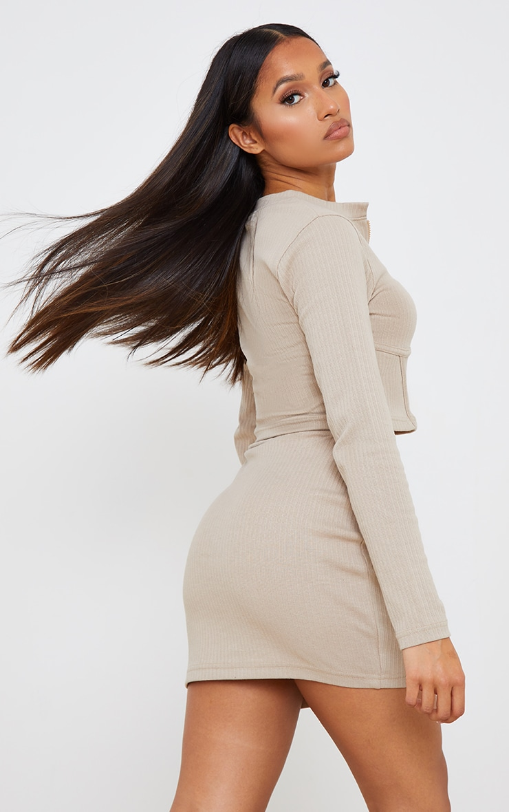 Petite Stone Under Bust Ribbed Long Sleeve Crop Top 2