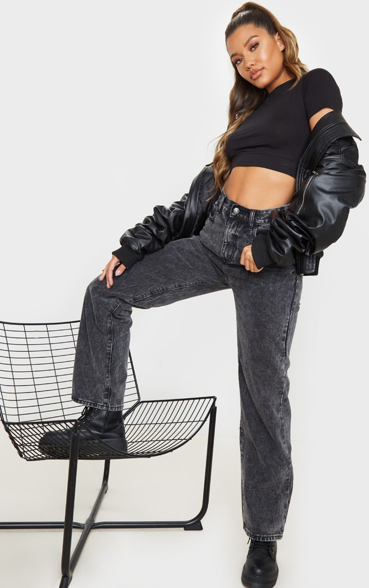Tee-shirt court noir basique en coton 3