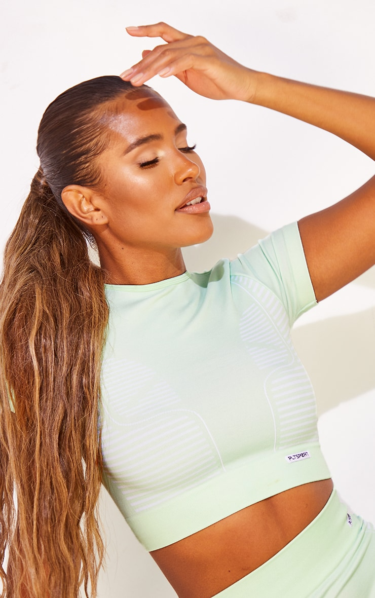 PRETTYLITTLETHING Mint Seamless Sport Cropped Tee 4