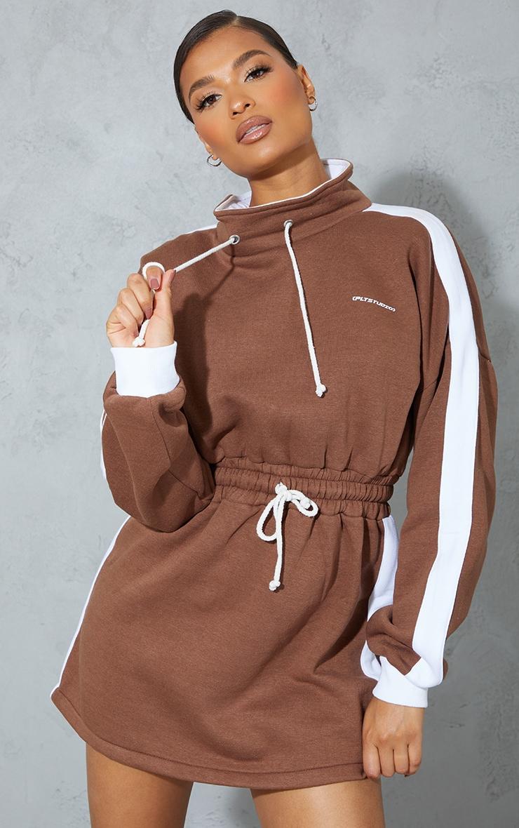 PRETTYLITTLETHING Chocolate Contrast Drawstring Sweat Jumper Dress 1