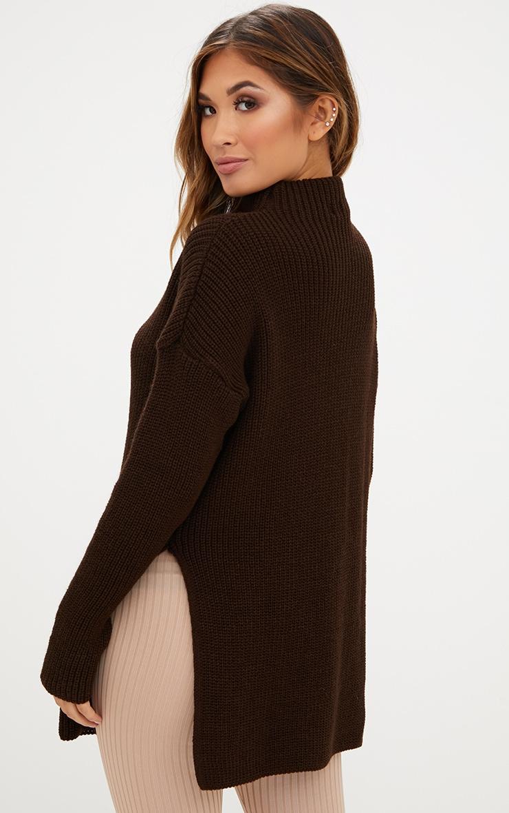 Pull oversized marron chocolat à col montant 2