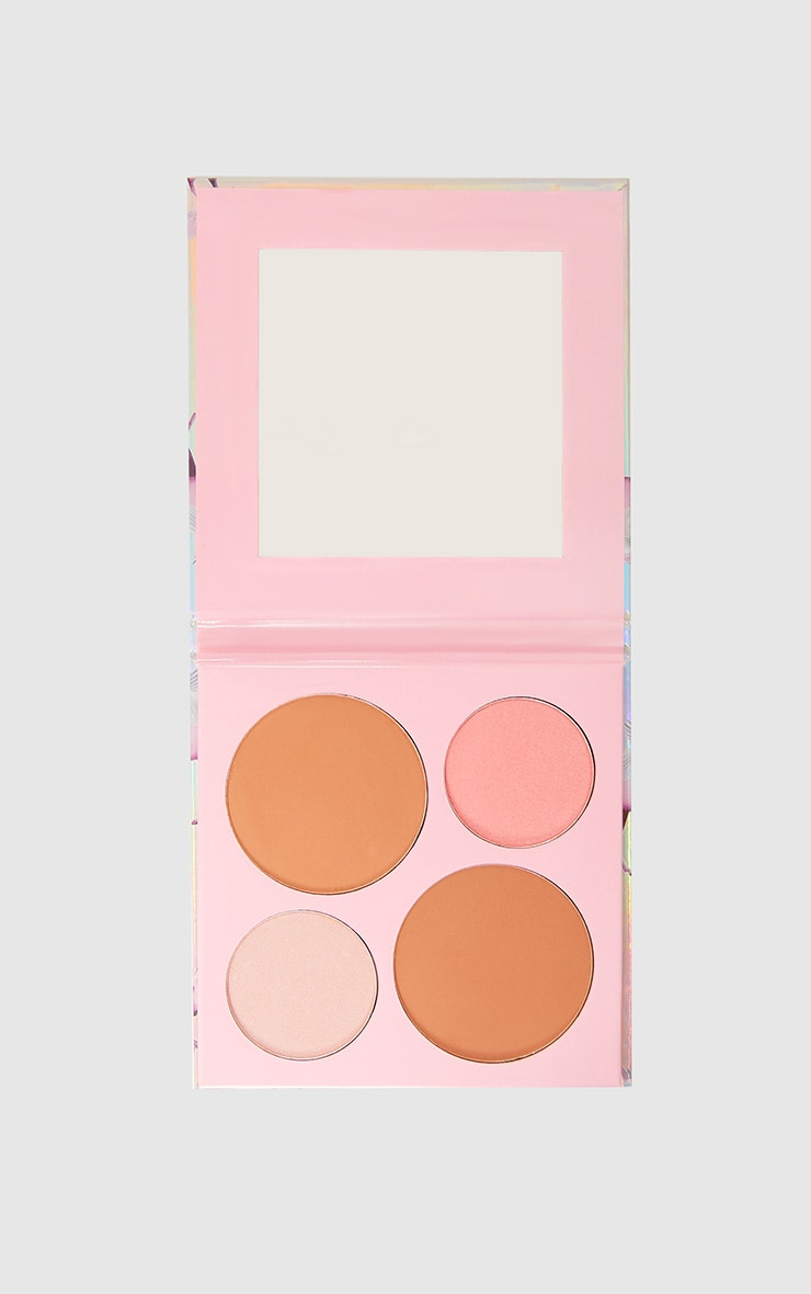 PRETTYLITTLETHING Get Cheeky Face Compact Kit 4