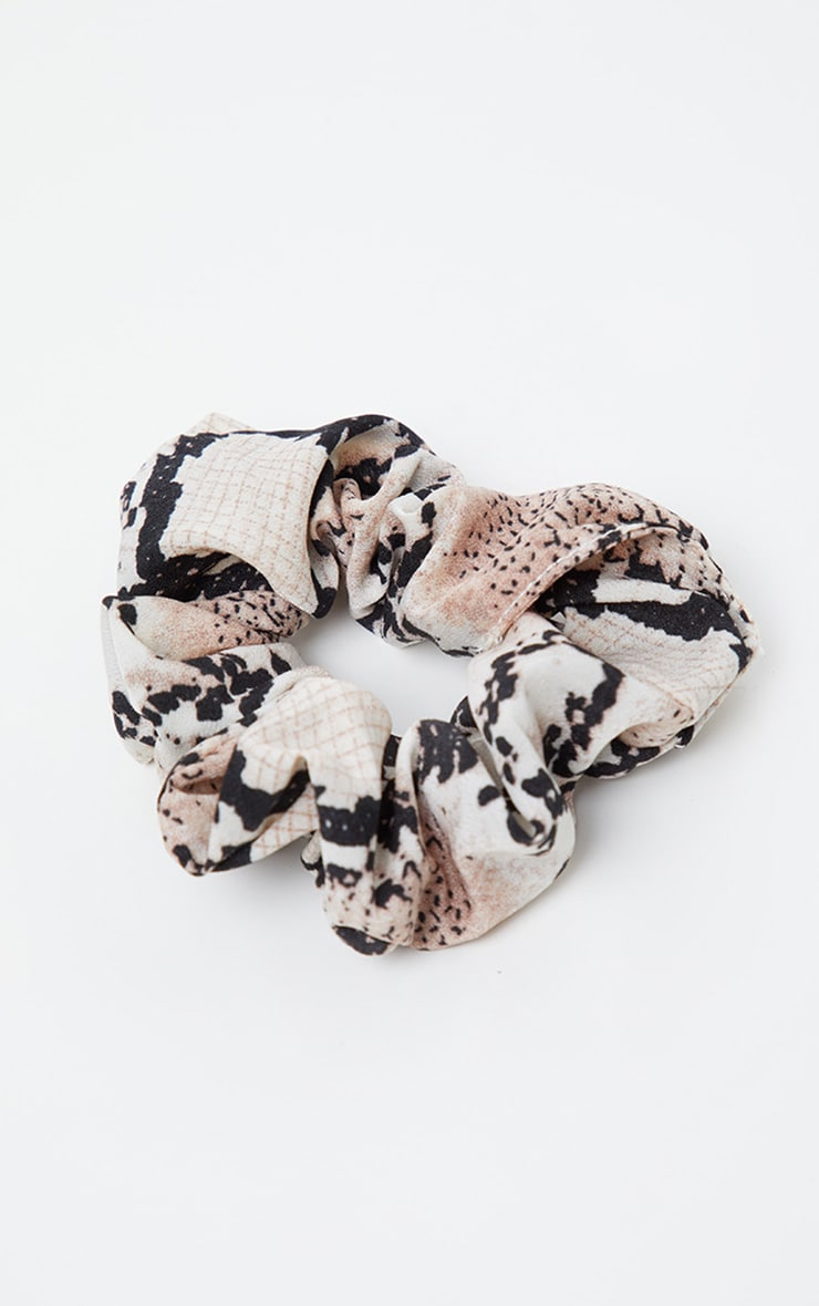 Nude Snake Print Scrunchie 2