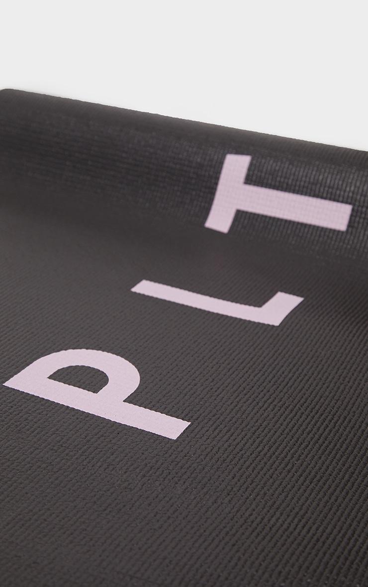حصيرة يوجا سوداء من بلاك ليتل ثينج 4