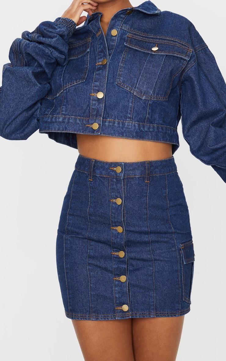 Mini-jupe en jean bleu moyennement délavé 6