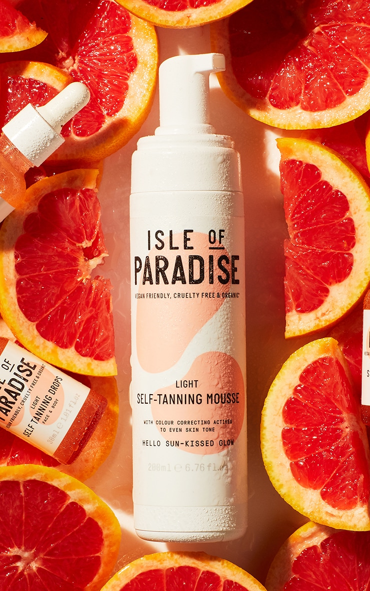 Isle of Paradise Light Self Tanning Mousse 1