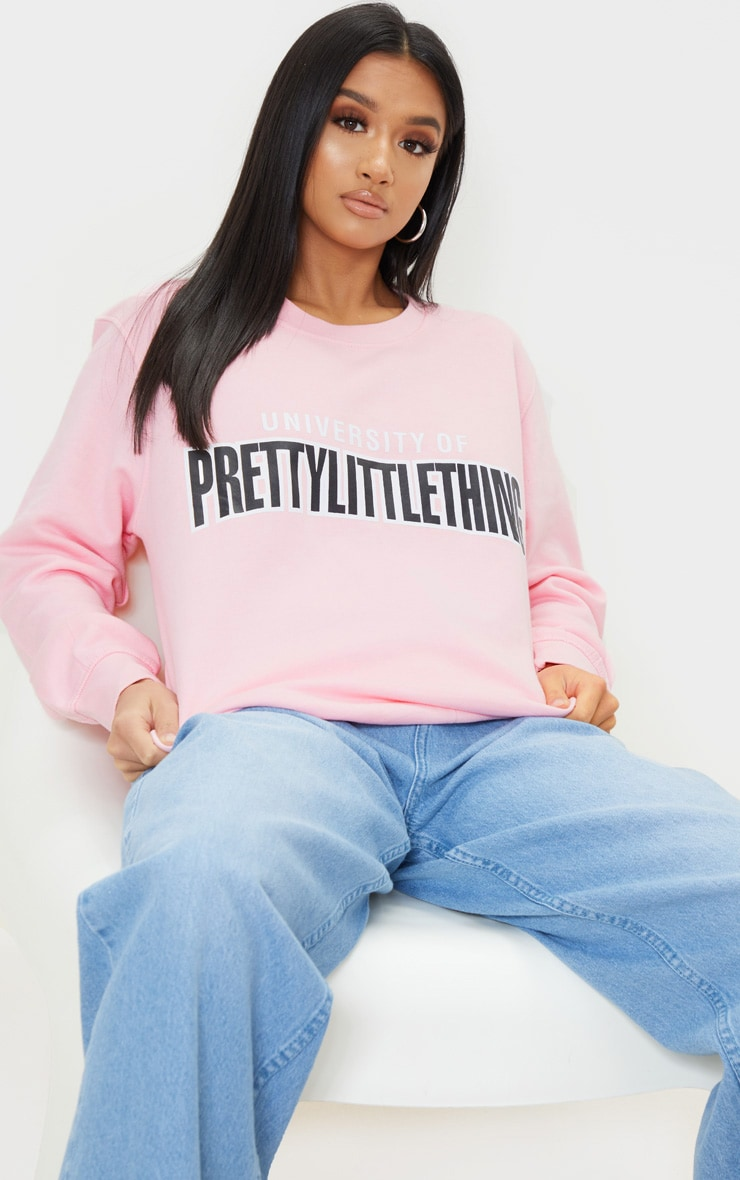 Petite - Pull rose tendre à slogan 'University Of PrettyLittleThing'  1