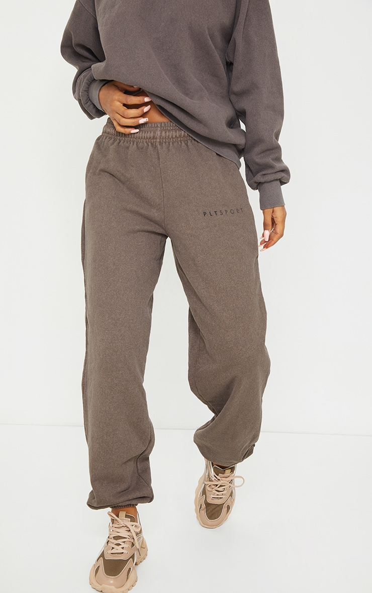 PRETTYLITTLETHING Chocolate Washed Oversized Joggers 2