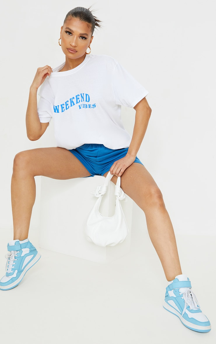 White Weekend Vibes Printed Washed T Shirt 3