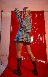 PRETTYLITTLETHING Black & Red Check 90's Inspired Costume 2