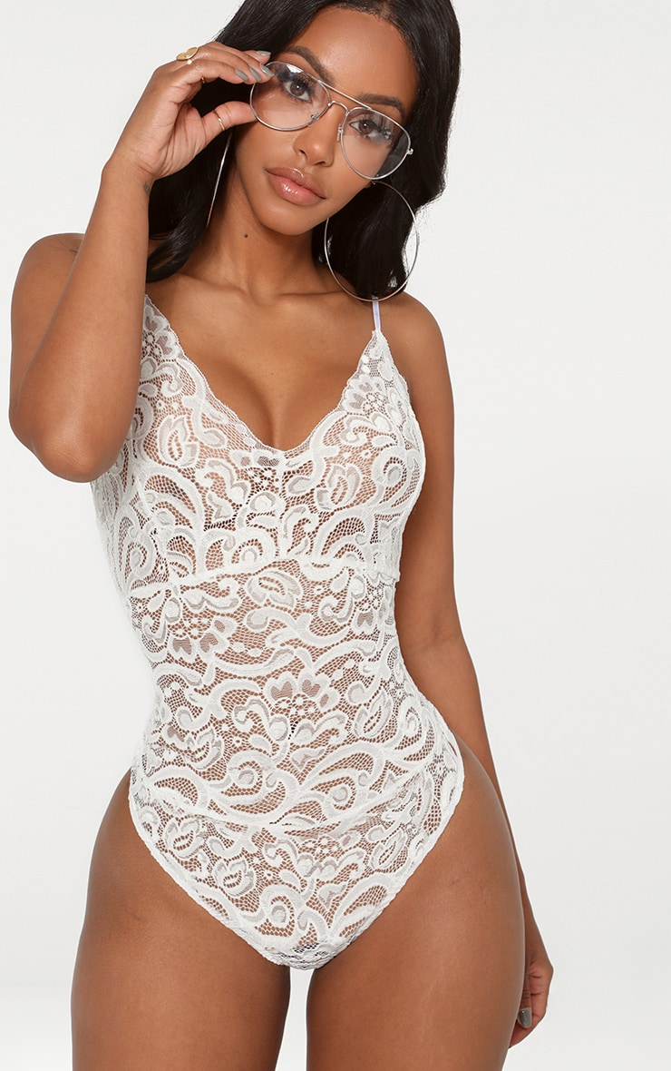 Shape body blanc en dentelle transparente 1