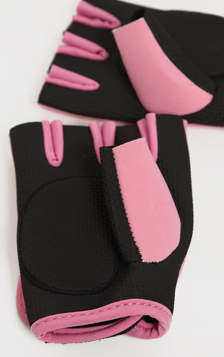 PRETTYLITTLETHING Pink Training Gloves 3