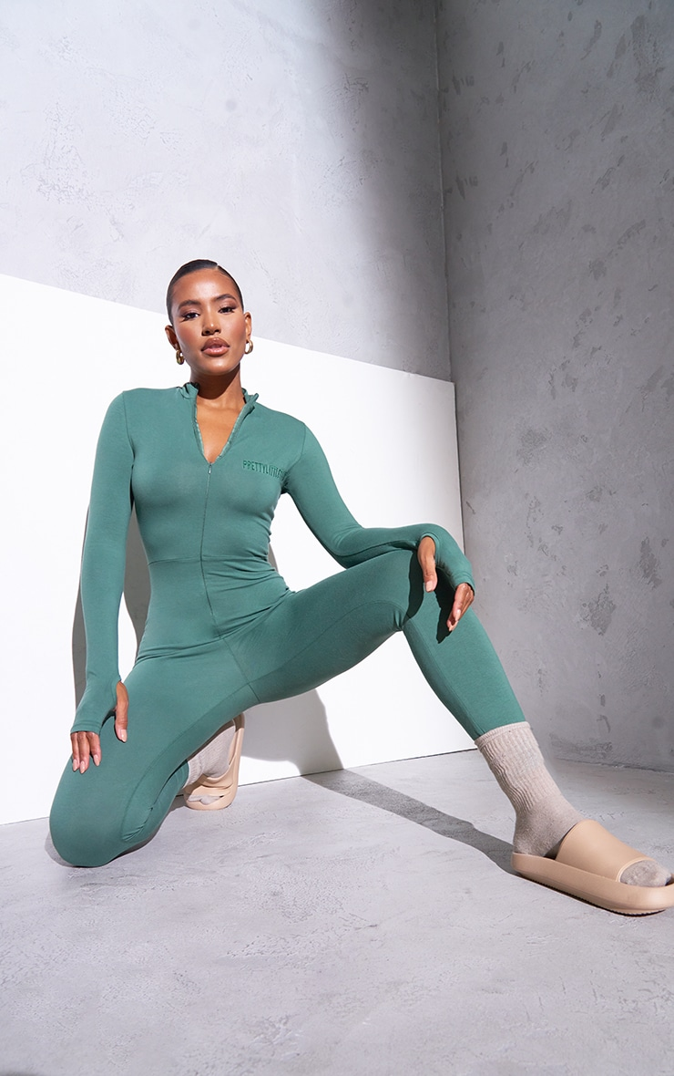 RENEW PRETTYLITTLETHING Green Long Sleeve Catsuit 3