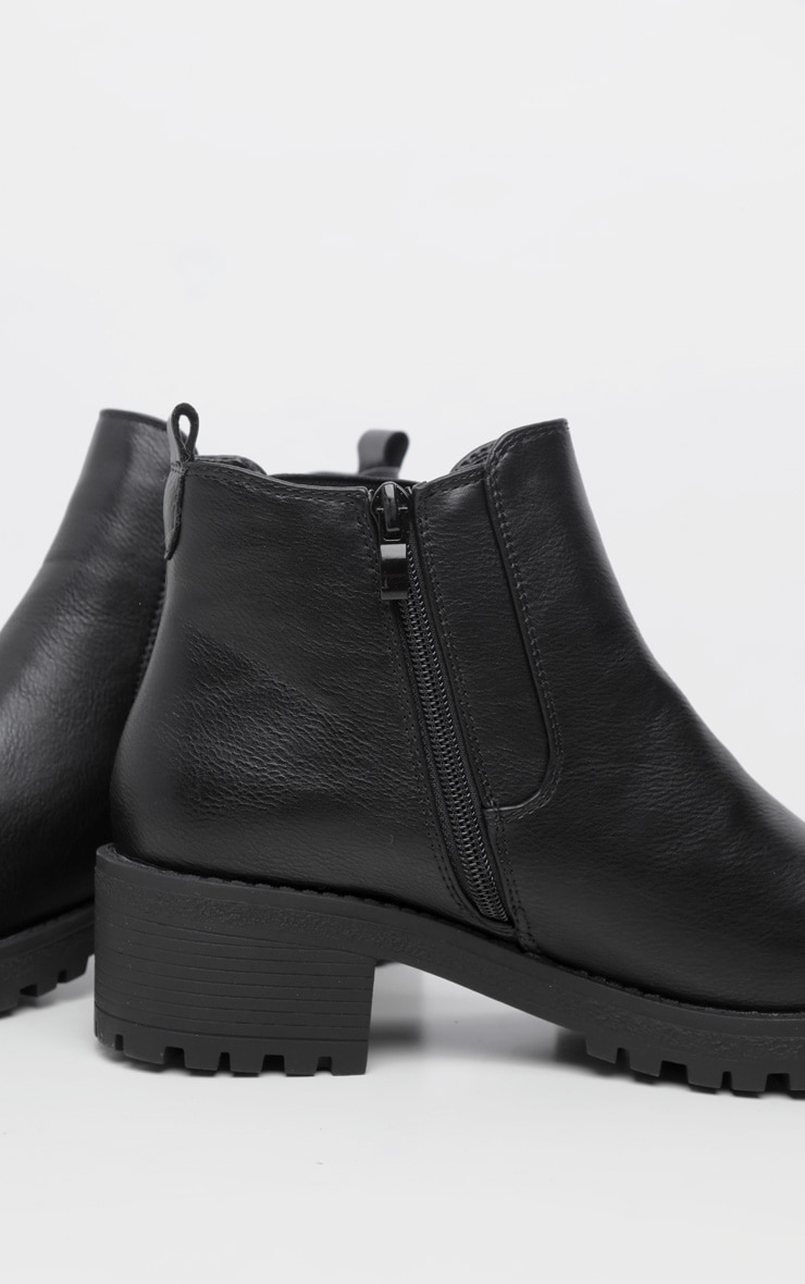 Black Low Heel Cleated Chelsea Ankle Boots 4