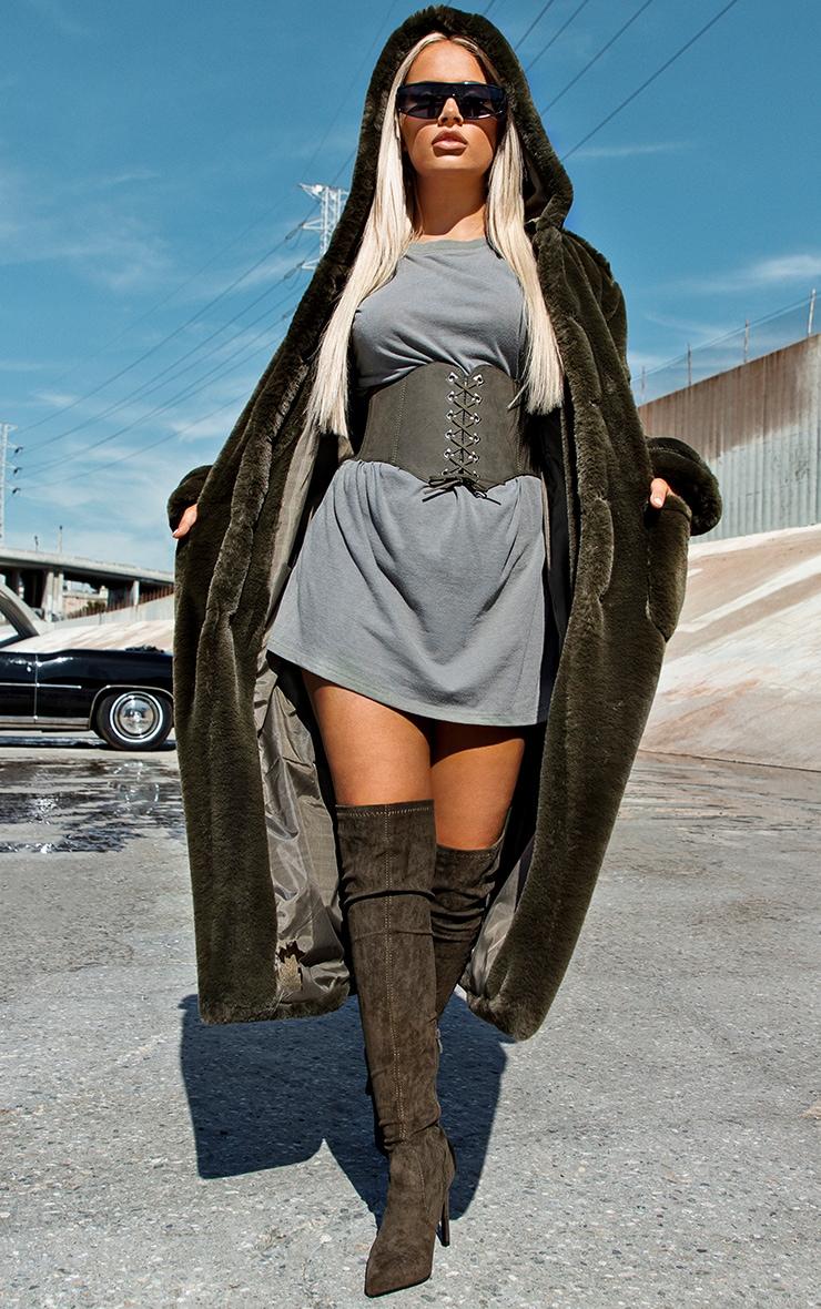Manteau style militaire kaki en fausse fourrure à capuche
