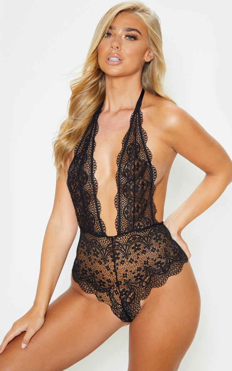 Black Plunge Delicate Daisy Lace Body 1