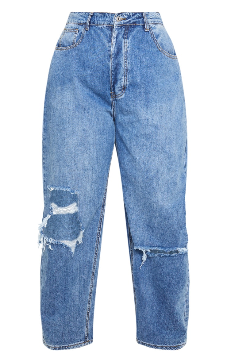 PRETTYLITTLETHING Plus Mid Wash Blue Knee Rip Boyfriend Jean 3