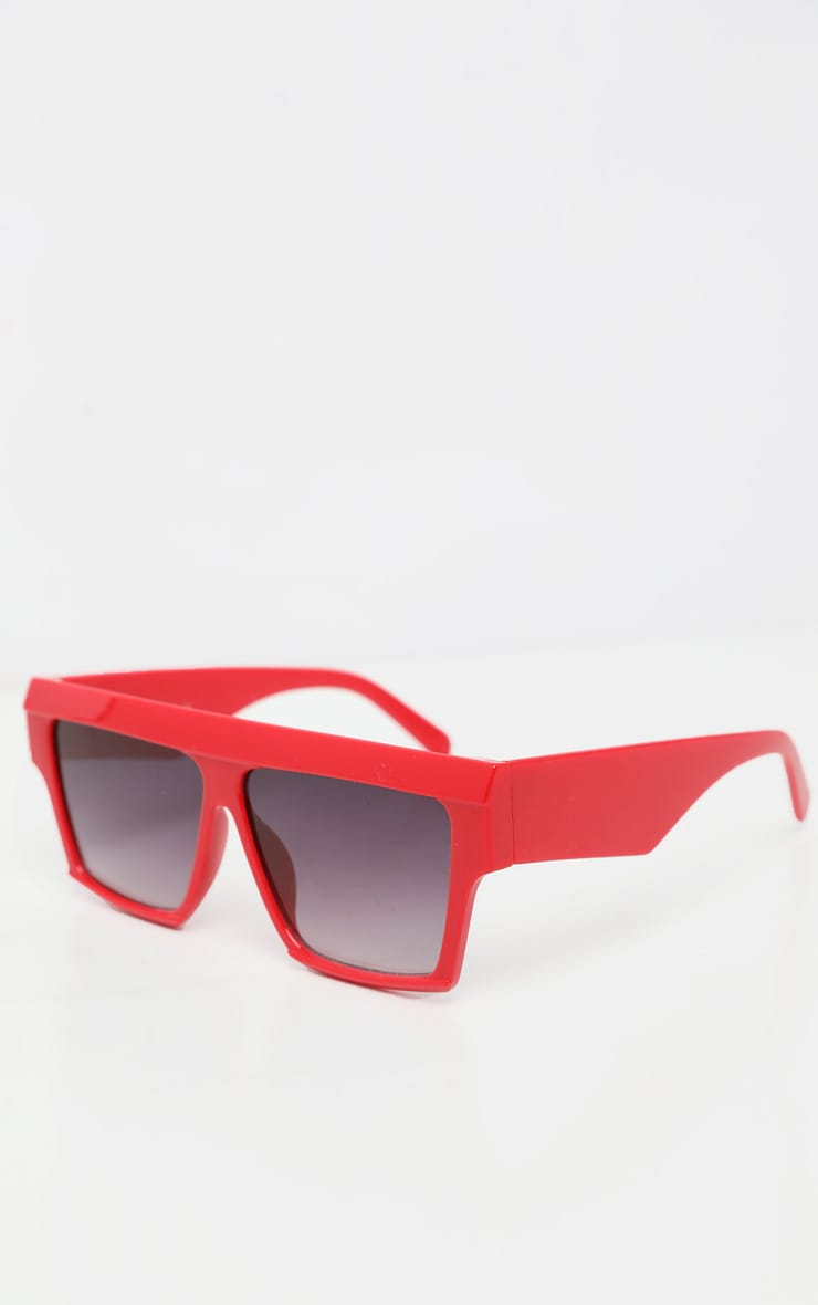 Red Thick Frame Faded Lenses Sunglasses 3