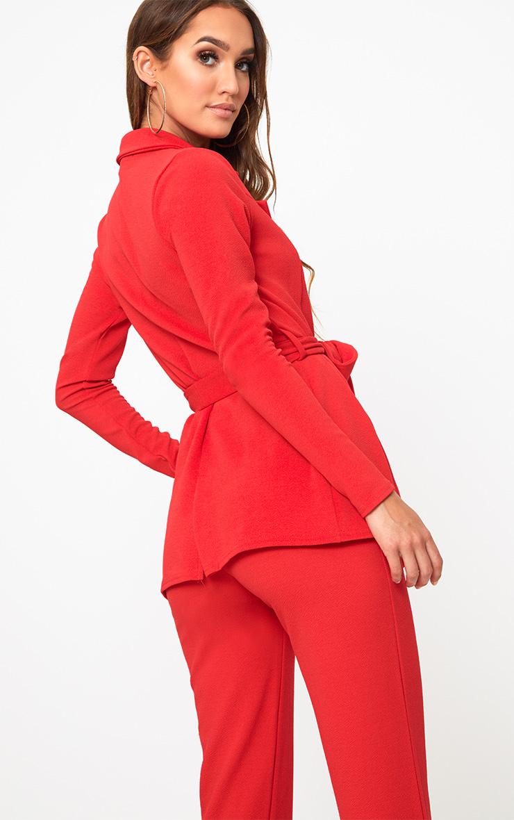 Blazer rouge à ceinture  2