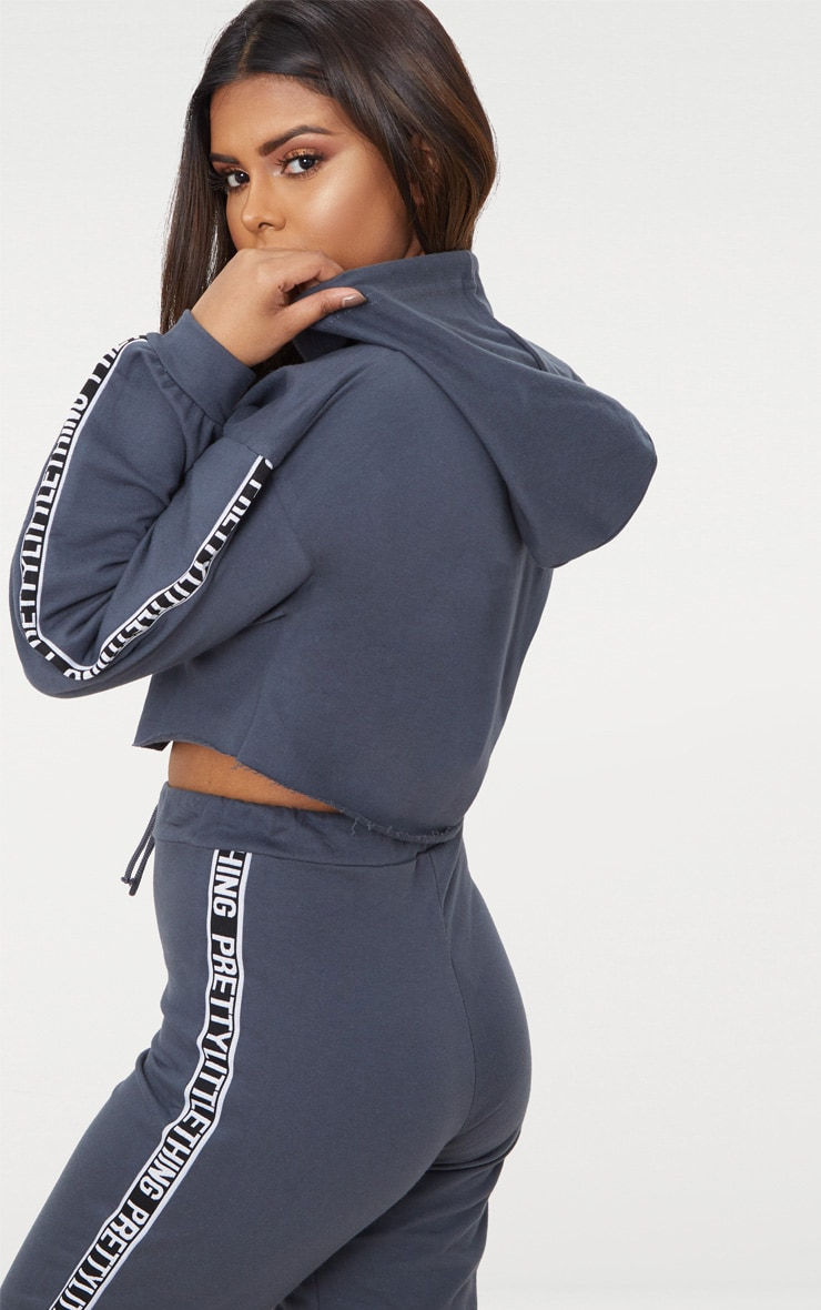 PRETTYLITTLETHING Petite Charcoal Cropped Hoodie 2